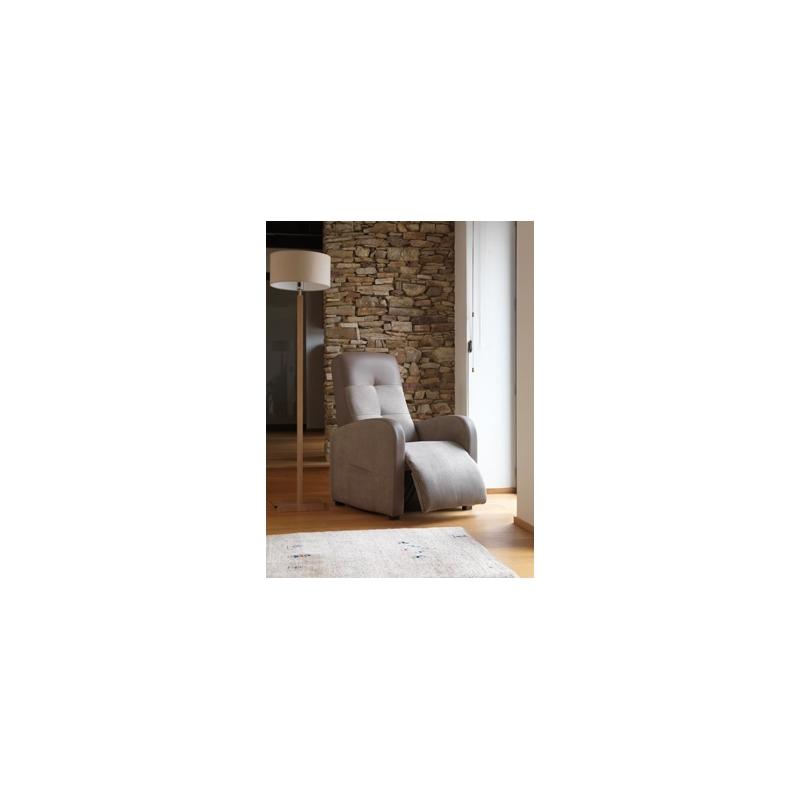 Fauteuil de relaxation releveur nova le g ant du meuble for Geant du meuble
