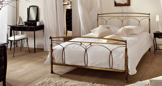 meubles blachere lit romantique riad. Black Bedroom Furniture Sets. Home Design Ideas