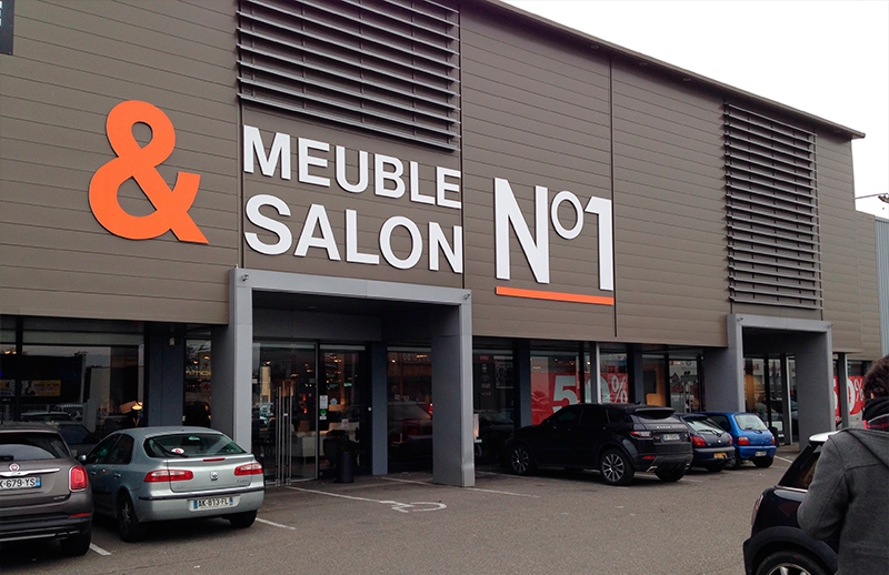 LE GEANT DU MEUBLE SALON N° 1